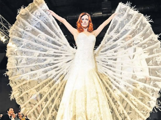 Top-5-Wedding-Dresses-Get-Married-in-Vegas-Swarovski-Encrusted-Designer-Wedding-Dress